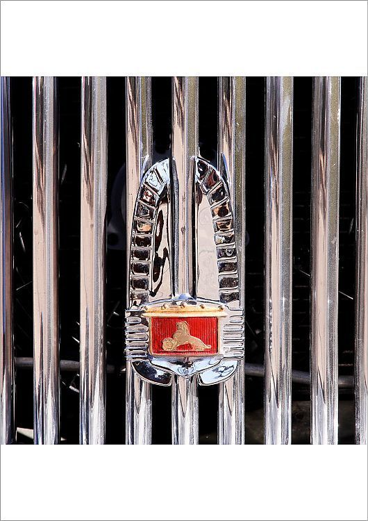 Poster Print-Classic car badge series – early Australian Holden circa 1950-16″x2…