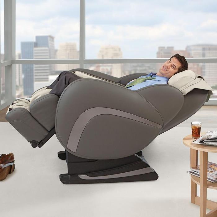 The Uastro Zero Gravity Mage Chair At Brookstone