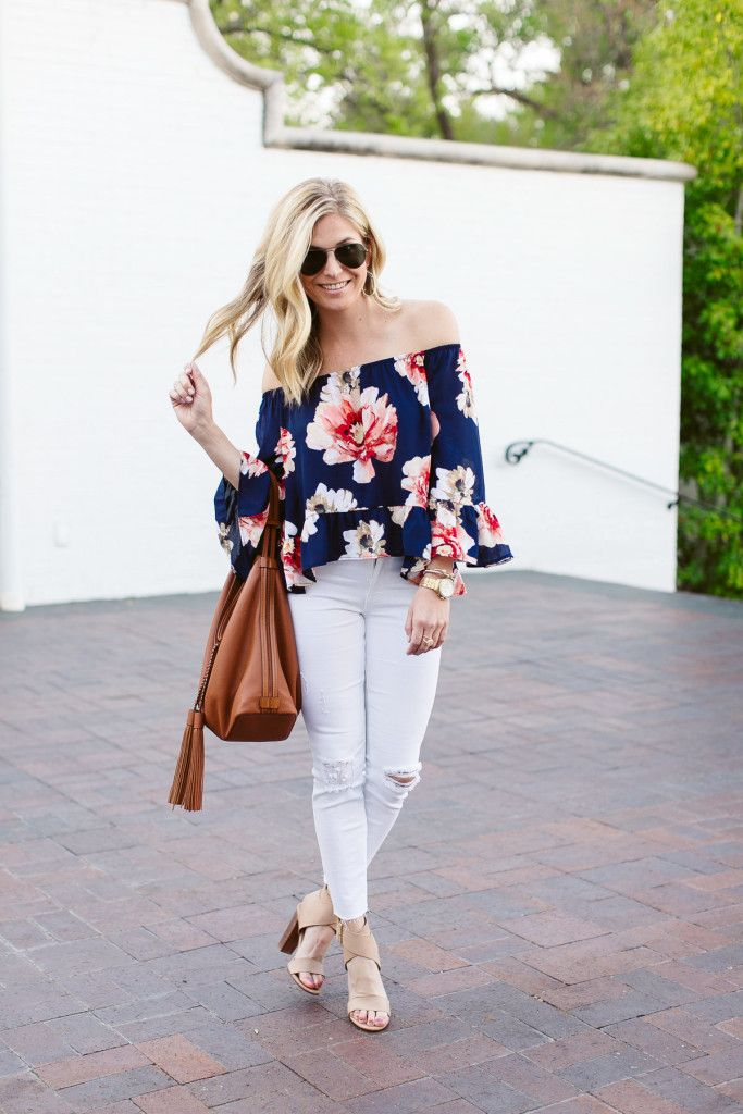 Blue Floral Top Casual Beach OutfitBeach