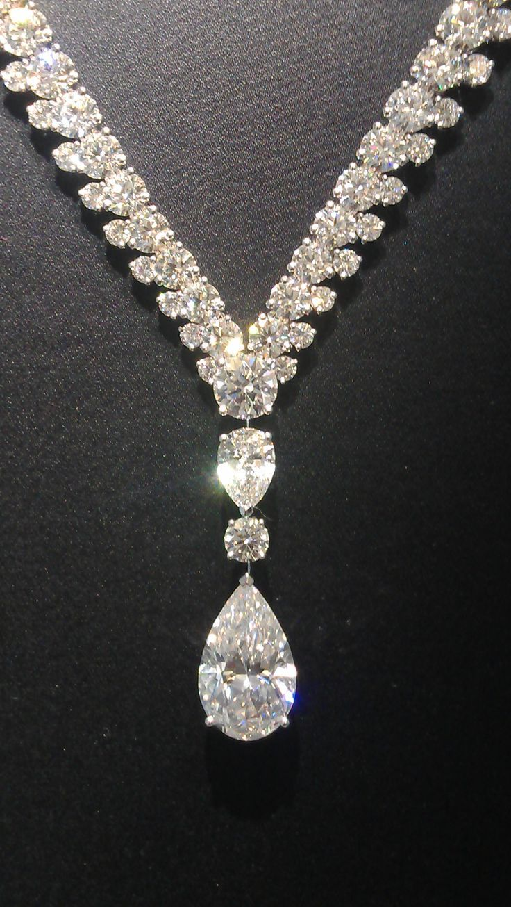 Magnificent De Beers Phenomena Reef necklace with and 8.49 carat pear cut diamond   // - Maria Elena Garcia - ► www.pinterest.com... ◀︎