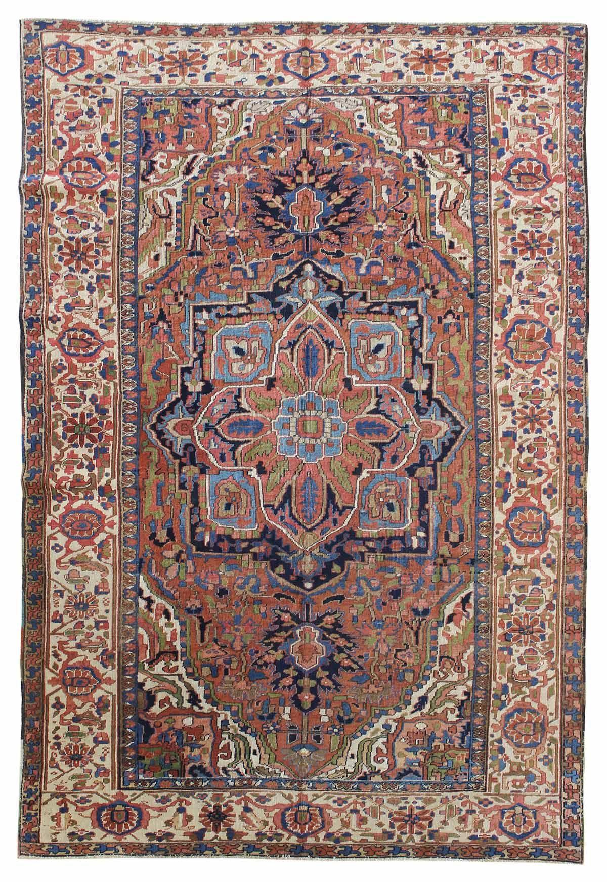 Antique Heriz Rug Handknotted in Persia Circa 1920 (con