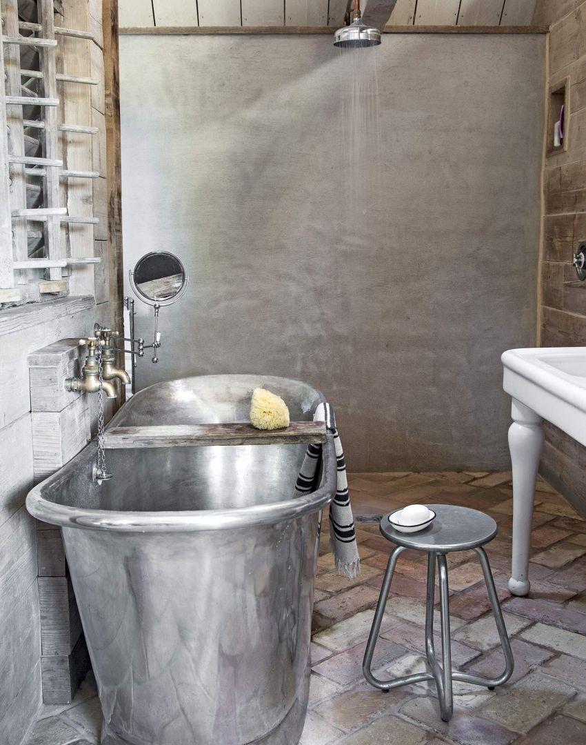 Rustic bathroom with tin bathtub | Hugmyndir fyrir heimili ...