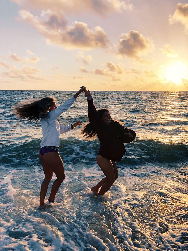Beach Ocean Water Sand Fun Friends Summerfashion