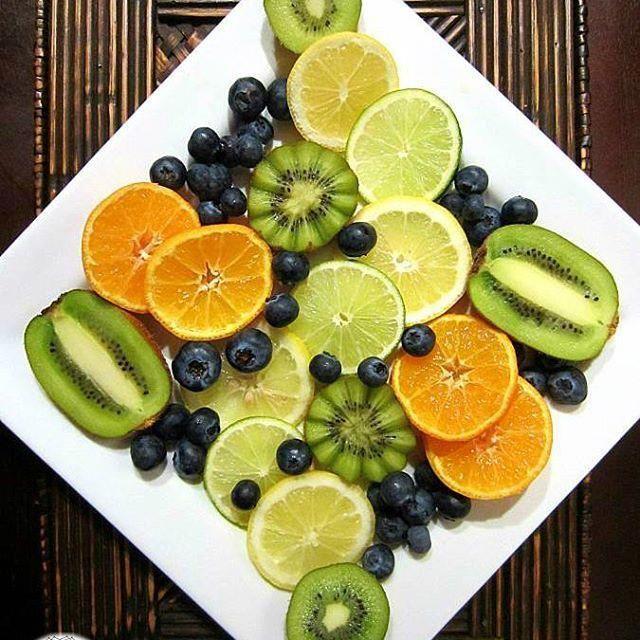 The beauty of fruits ������������������������������������������  #vegan #fruits #fruitarian #raw #delicious #nutritious #antioxidants #organic #wholefood #juicy #nongmo #veganeatplease #fruitarianrecipes