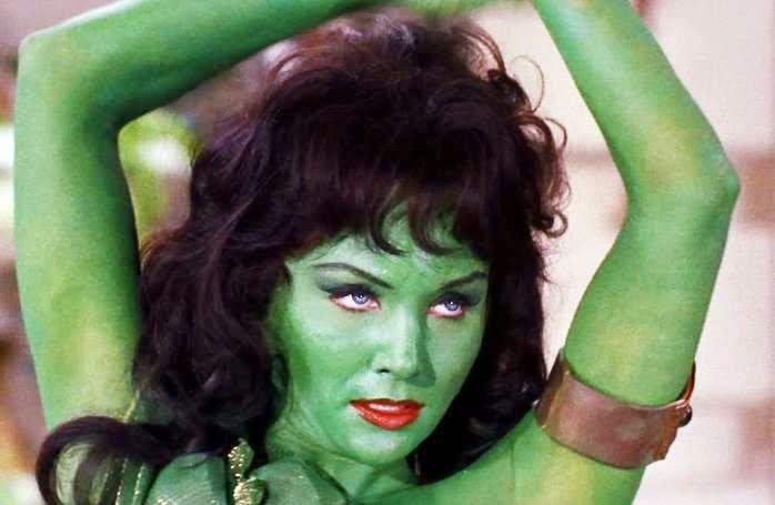 Green+Girl.jpg (698×455)