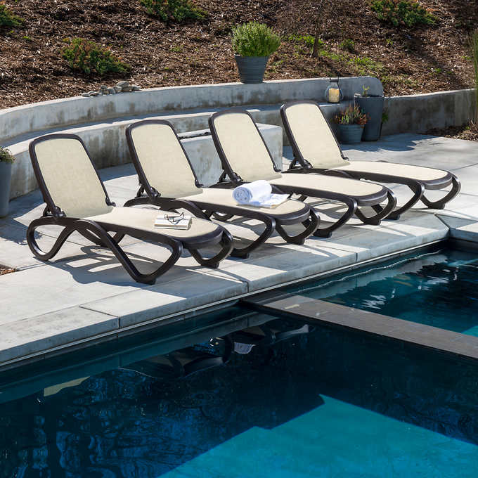 Omega Commercial Lounger by Nardi, 4-pack | backyards in ...