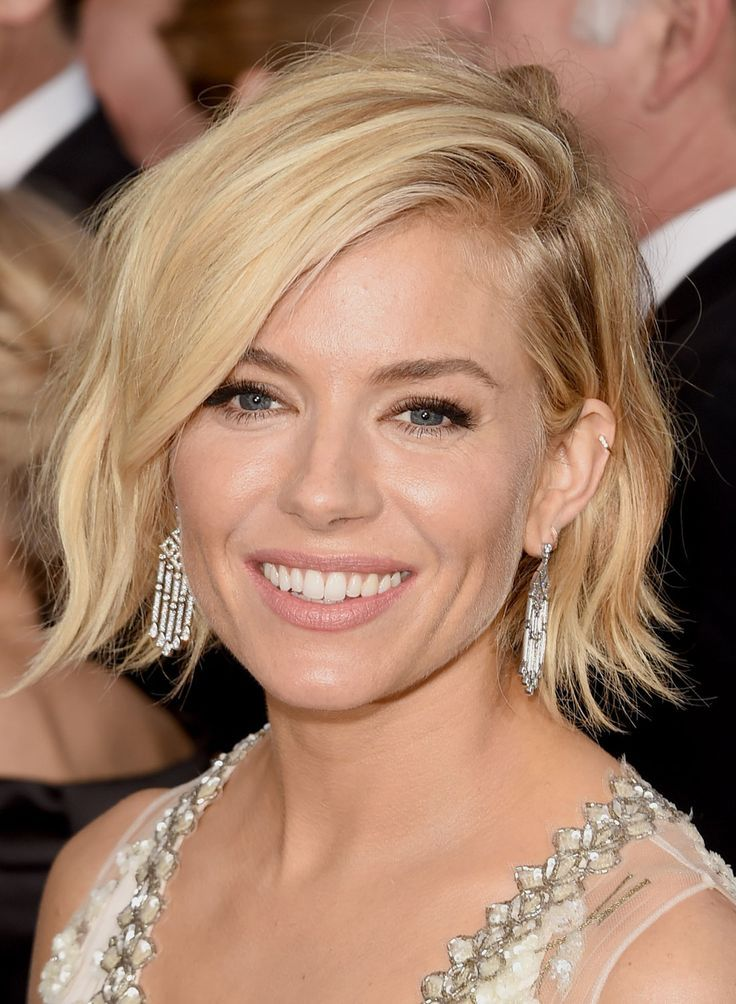 New Celeb Hair Trend 9 Short Hairstyles From The Red Carpet Short Wavy Hair Sienna Miller Hair Short Layered Wavy Hairstyles