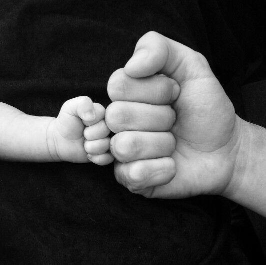 """- """"มือ"""" สื่อสัมผัส    #notitle #มอ #สอสมผส"""