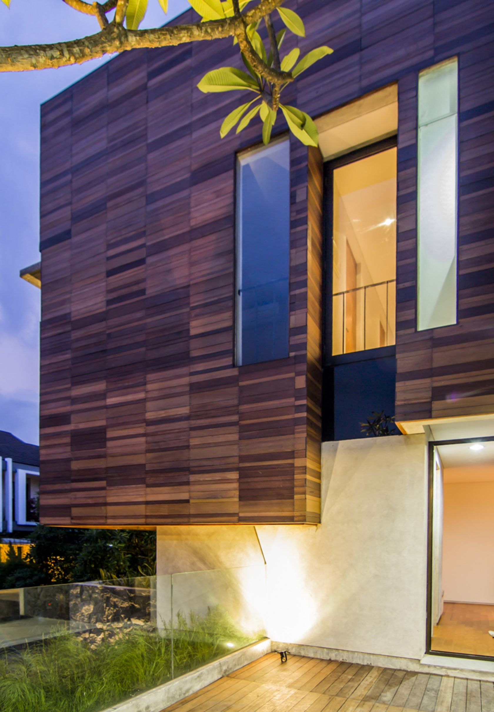 Lumber Shaped Box House Explore Collect And Source Architecture Box Houses Facade House Architecture Details