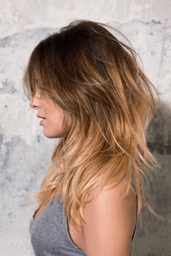 Frisur Lange Haare Wild Gestufter Haarschnitt Frisuren Haarschnitte Mittellange Haare