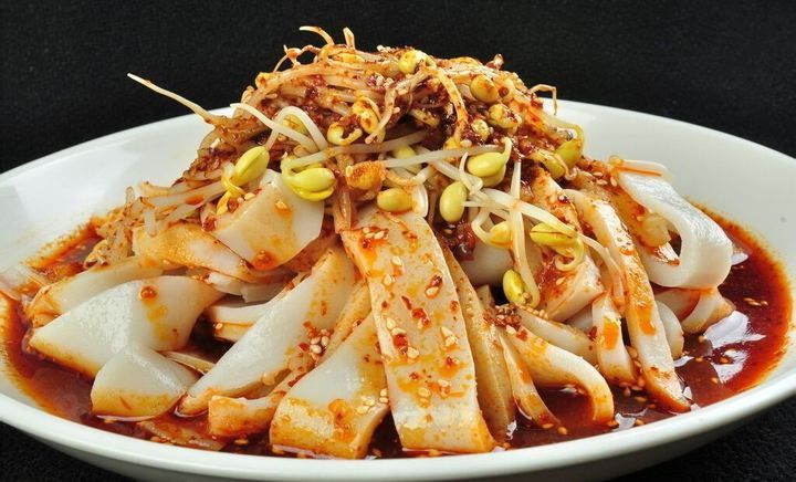 A necessary delicacy in summer cold steamed noodles