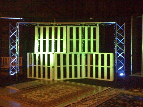 cagey idea for stage.... painted free wood pallets ...