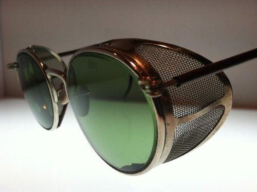 26044022149 Green Motorcycle Matsuda Sunglasses