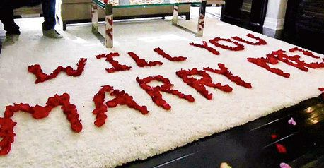 Flower Pedals Proposal Marriage Proposals Cute Proposal Ideas Marry Me