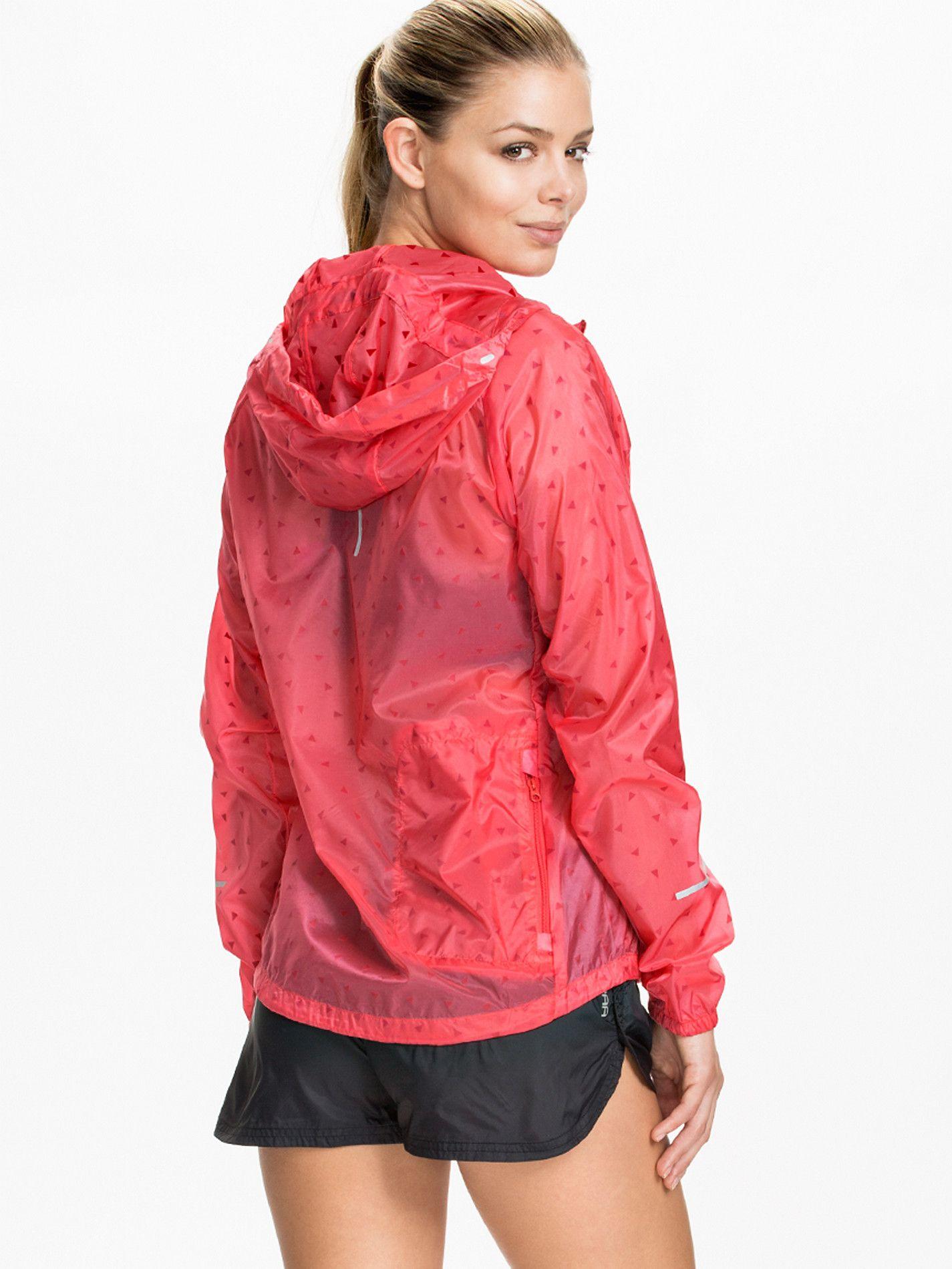 fce92fce597b Red Nike Cyclone Jacket and Kari Traa Kari Shorts