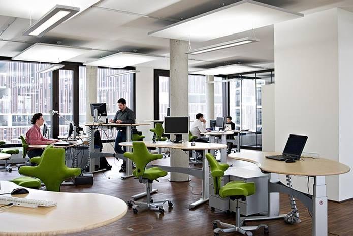 Wenn man in den 80er Jahren ein Büro betrat fiel vor allem eines sofort auf: Kaltes Licht hervorgerufen von flackernden Neon-Röhren an der Decke zerstörte jeden Gedanken an ein angenehmes Arbeitsumfeld. http://ift.tt/2jT9EHK | solergo.ch