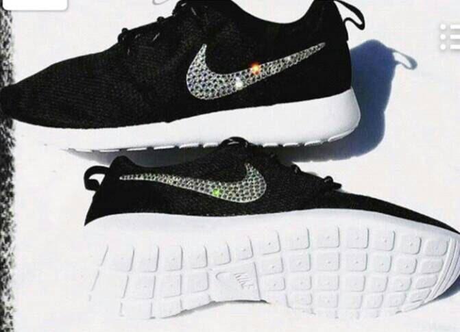 Womens black and white roshes, swarovski Nike shoes, custom roshes, bling  Nike so