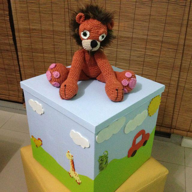Caja de madera artesanal para guardar juguetes