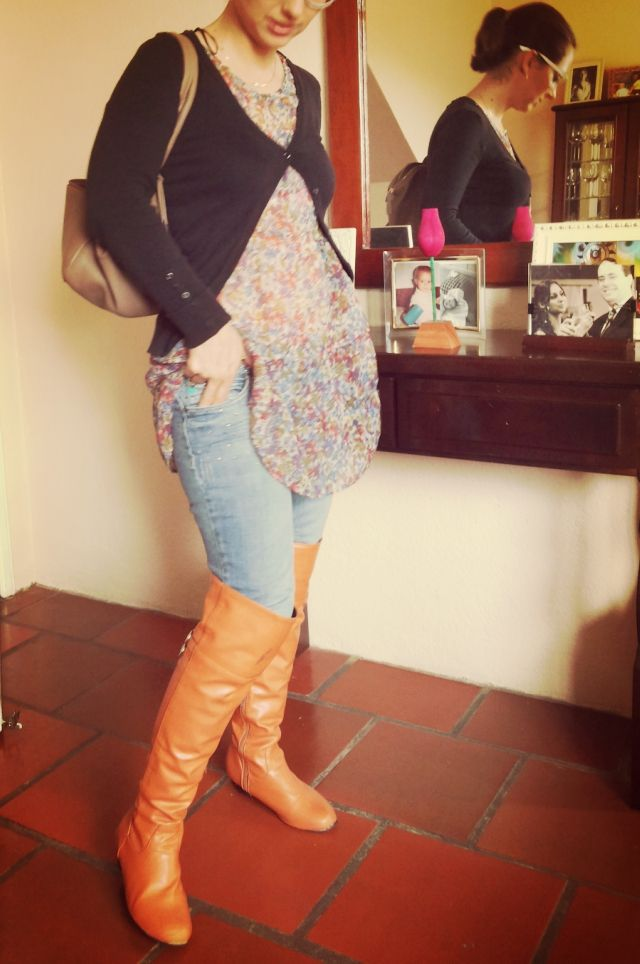 FEMINA - Modéstia e elegância: Over the knee, jeans com vestido curto, e cardigan