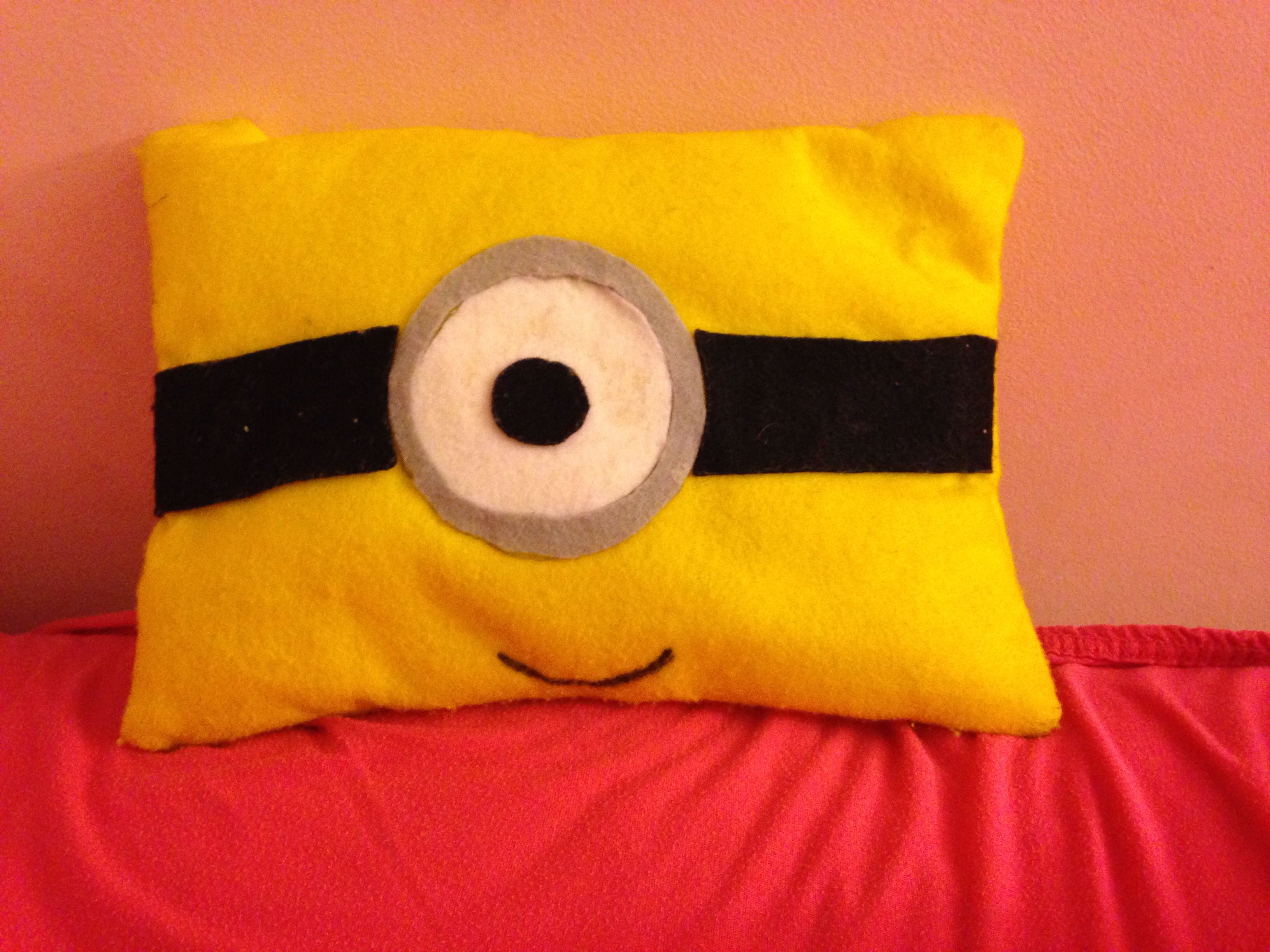 The minion pillow is an easy and affordable way decorate your bed!