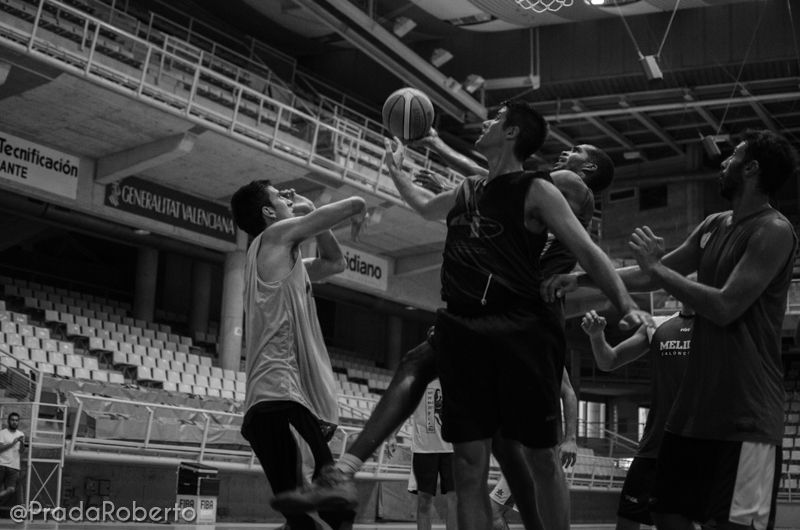 Abajo, arriba: Samuel Domínguez (2). 2 de septiembre #Lucentum #PretemporadaLucentum #Alicante #AdeccoPlata #LEBPlata #baloncesto #basket