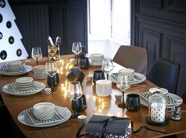 vaisselle graphique noire et blanche tables de no l christmas table pinterest graphiques. Black Bedroom Furniture Sets. Home Design Ideas