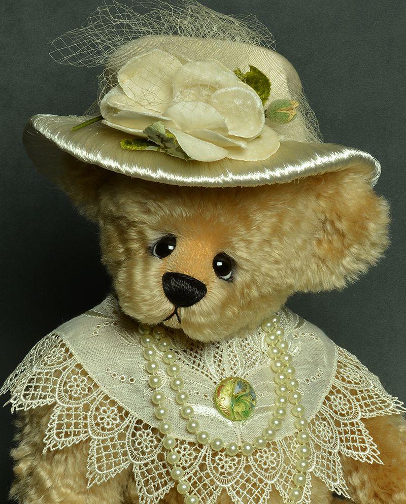 Magnolia - Dense Schulte Mohair Bear - www.vickylougher.com #artistbear #artistbears #teddybear #teddy #handmade