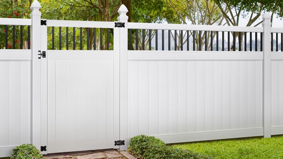 Veranda Pro Series 6 Ft X 8 Ft Woodbridge Baluster Top Unassembled Vinyl Fence Panel 244551 The Home Depot Vinyl Fence Vinyl Fence Panels Fence Panels