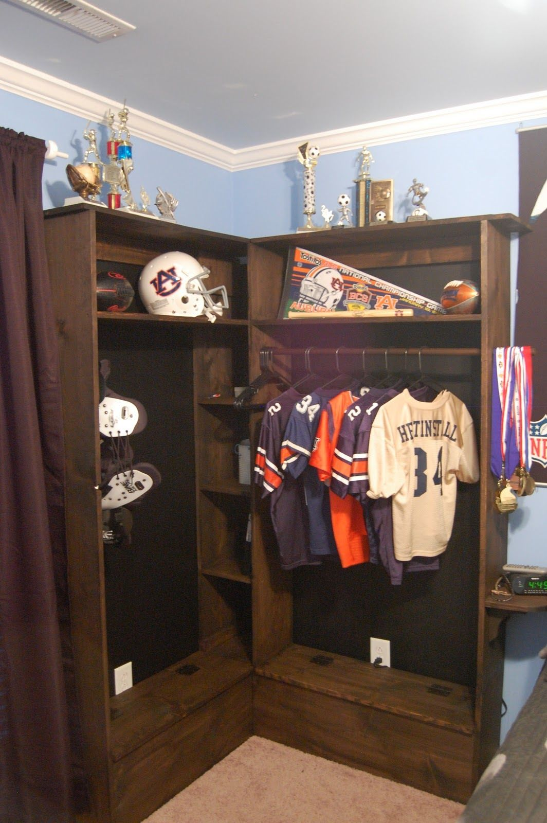 Soccer Room Designs: Locker Bedroom, Boys Bedroom
