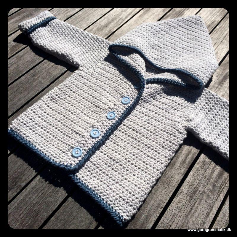 5aff2363cf5 Hæklet baby hættetrøje med knapper - Garn Grammatik | Hæklet tøj ...
