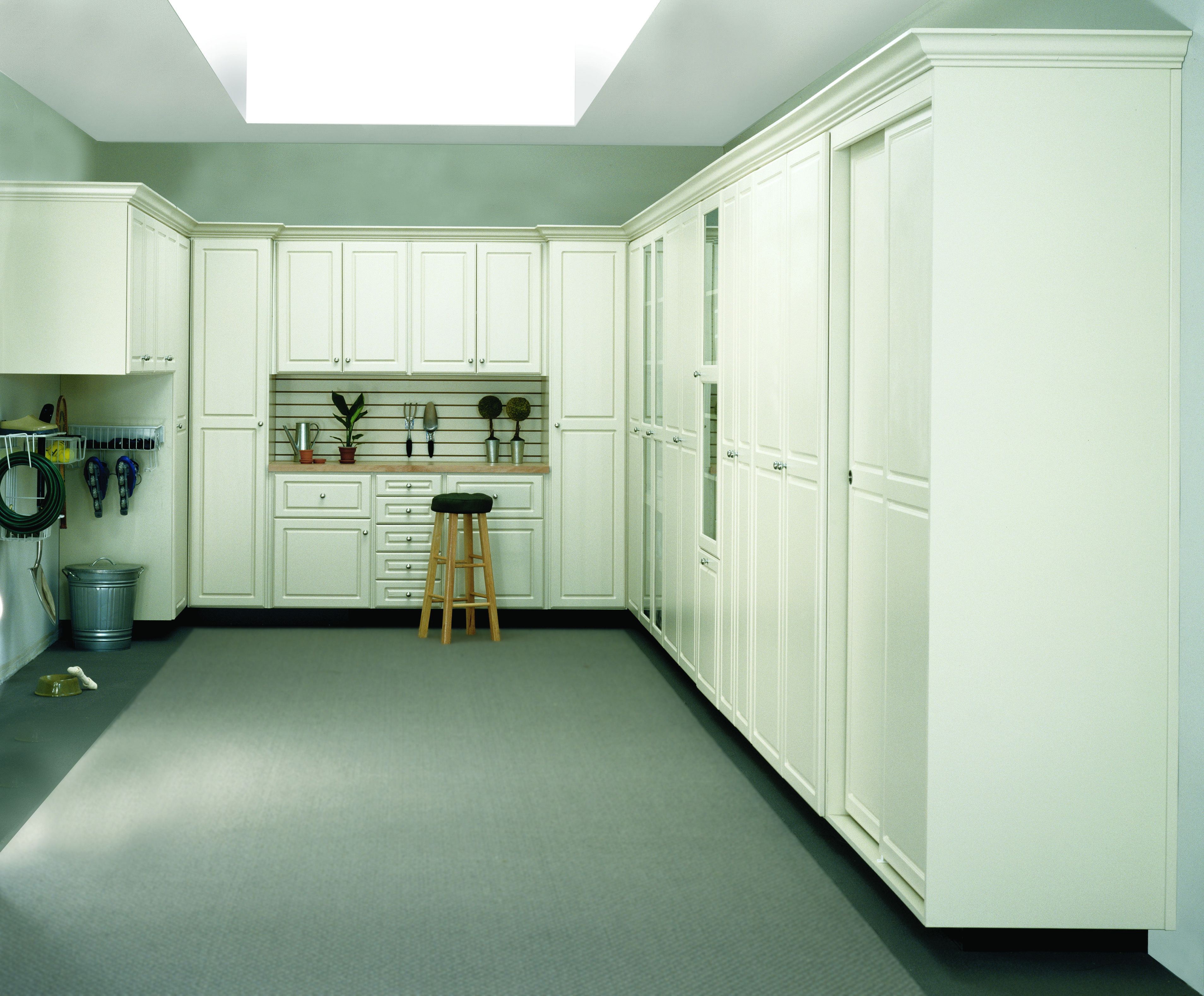 Three Wall Garage System In Antique White Melamine With