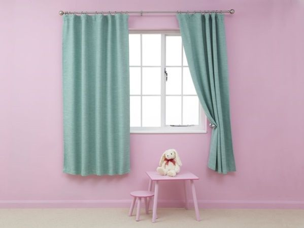 kindergardinen mädchenzimmer wandfarbe rosa türkis gardine blickdicht