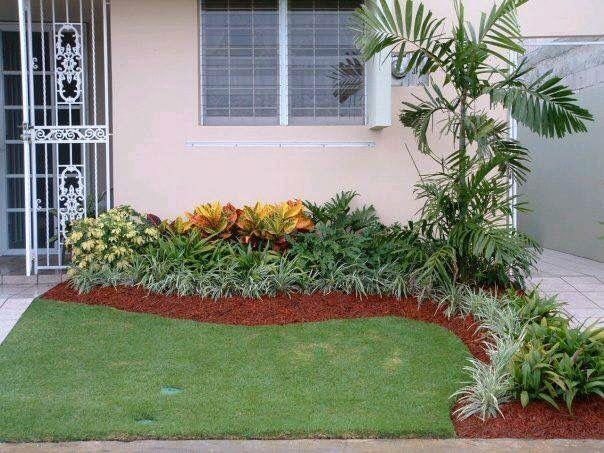 Pin de c a en patio decoraciones de jard n jardines y - Plantas jardineras exterior ...