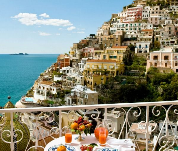 Hotels In Positano With Amazing Views Le Sirenuse The Spectacular Hotel Has Been Featured Italyamalfi