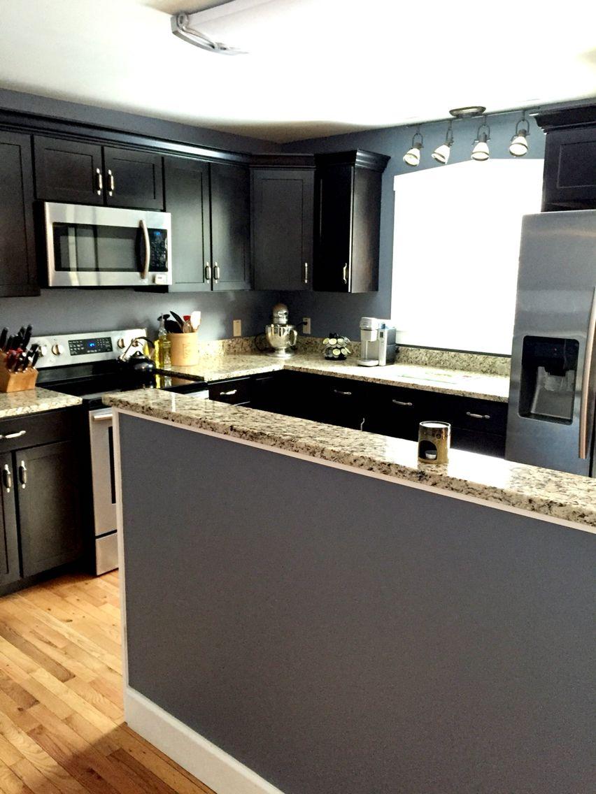 black pepper by benjamin moore 716 roberts kitchen. Black Bedroom Furniture Sets. Home Design Ideas