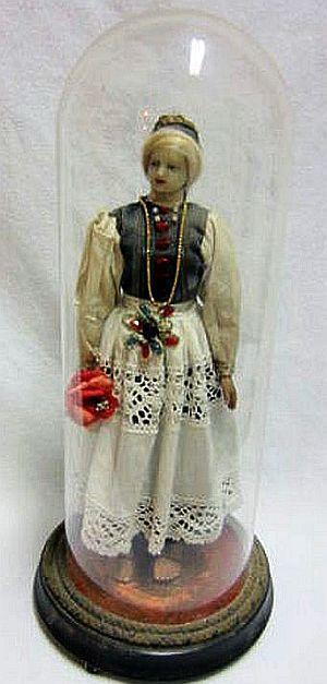 FRAU im Glassturz - WACHSFRAU in Selt. TRACHT - 50cm - Unbeschädigt - um 1880.