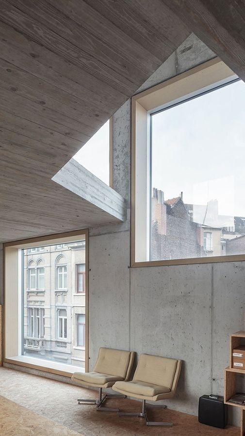 Exposed concrete interior low architecten house wall treatments pinterest exposed for Exposed concrete walls interior