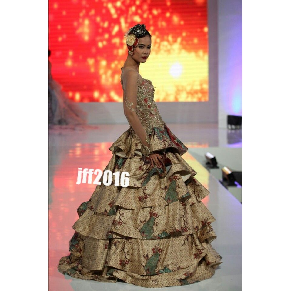 Kebaya Gold Krah Sabrina Mimikebaya Pinterest Gold And Kebaya