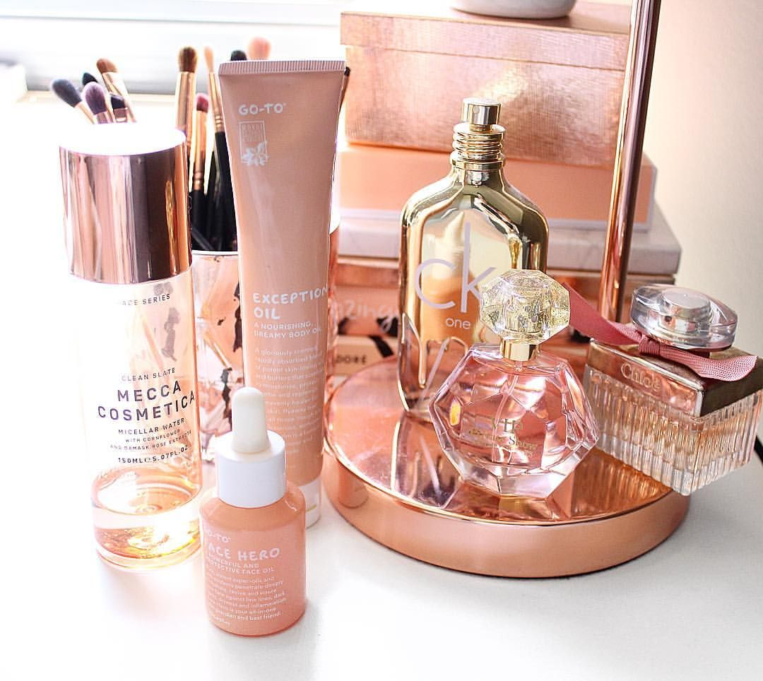 Beauty vanity Peach rose gold copper skincare makeup storage tips  sc 1 st  Pinterest & Beauty vanity Peach rose gold copper skincare makeup storage ...
