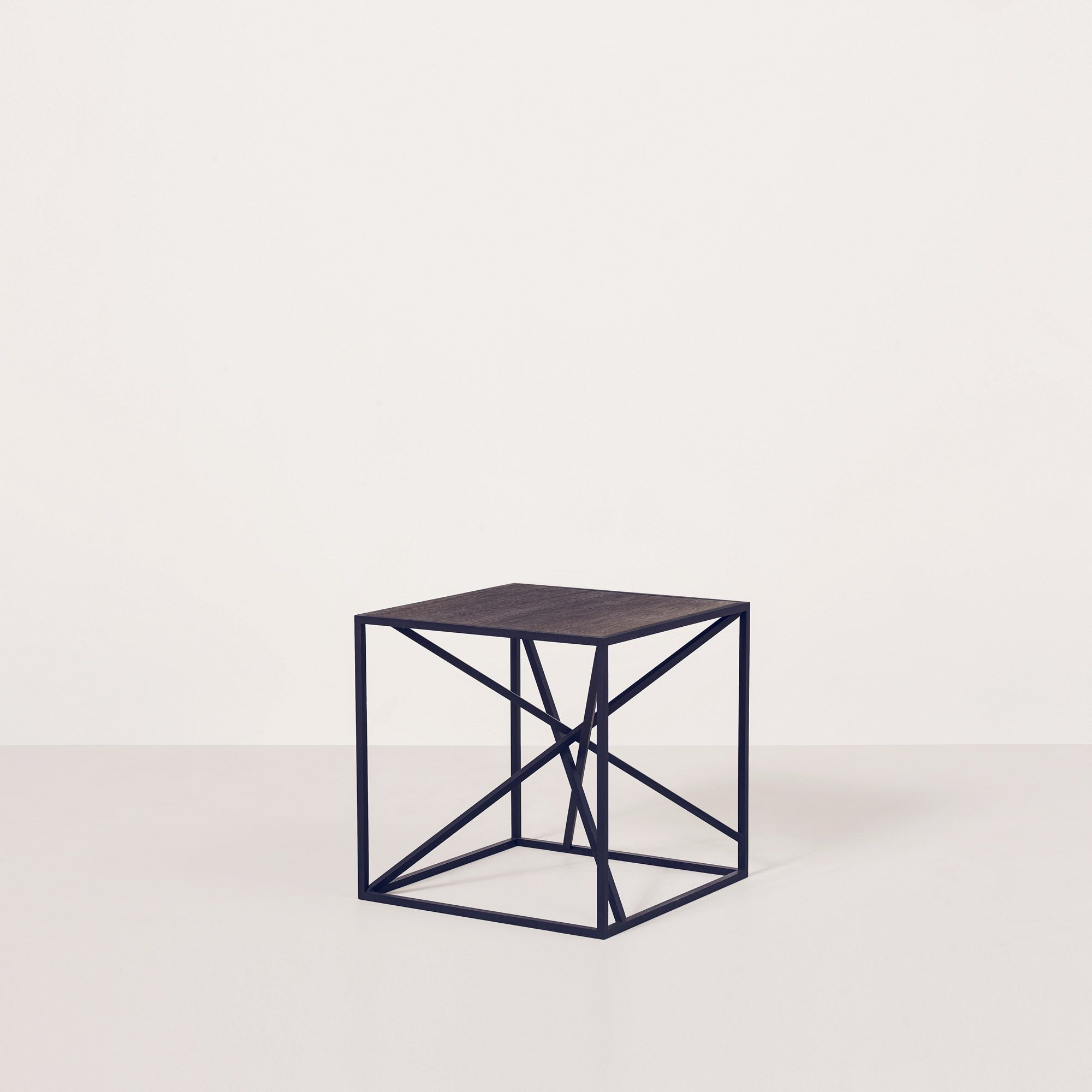 Round Table San Bruno Ave Ixo Side Table By Christophe Delcourt Avenue Road Side Tables