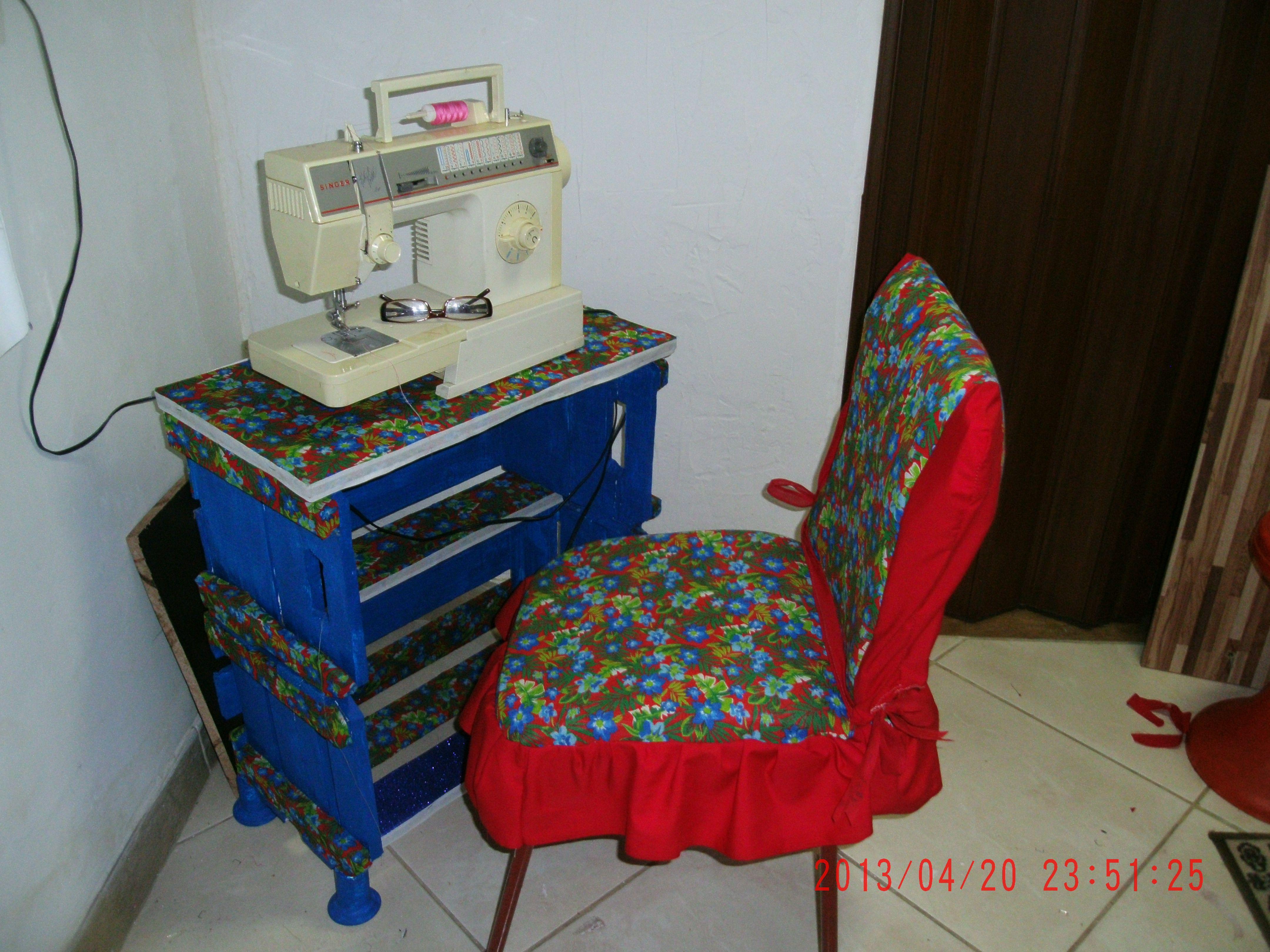 Mesa para a m quina de costura feita com reaproveitamento - Mesas para costura ...