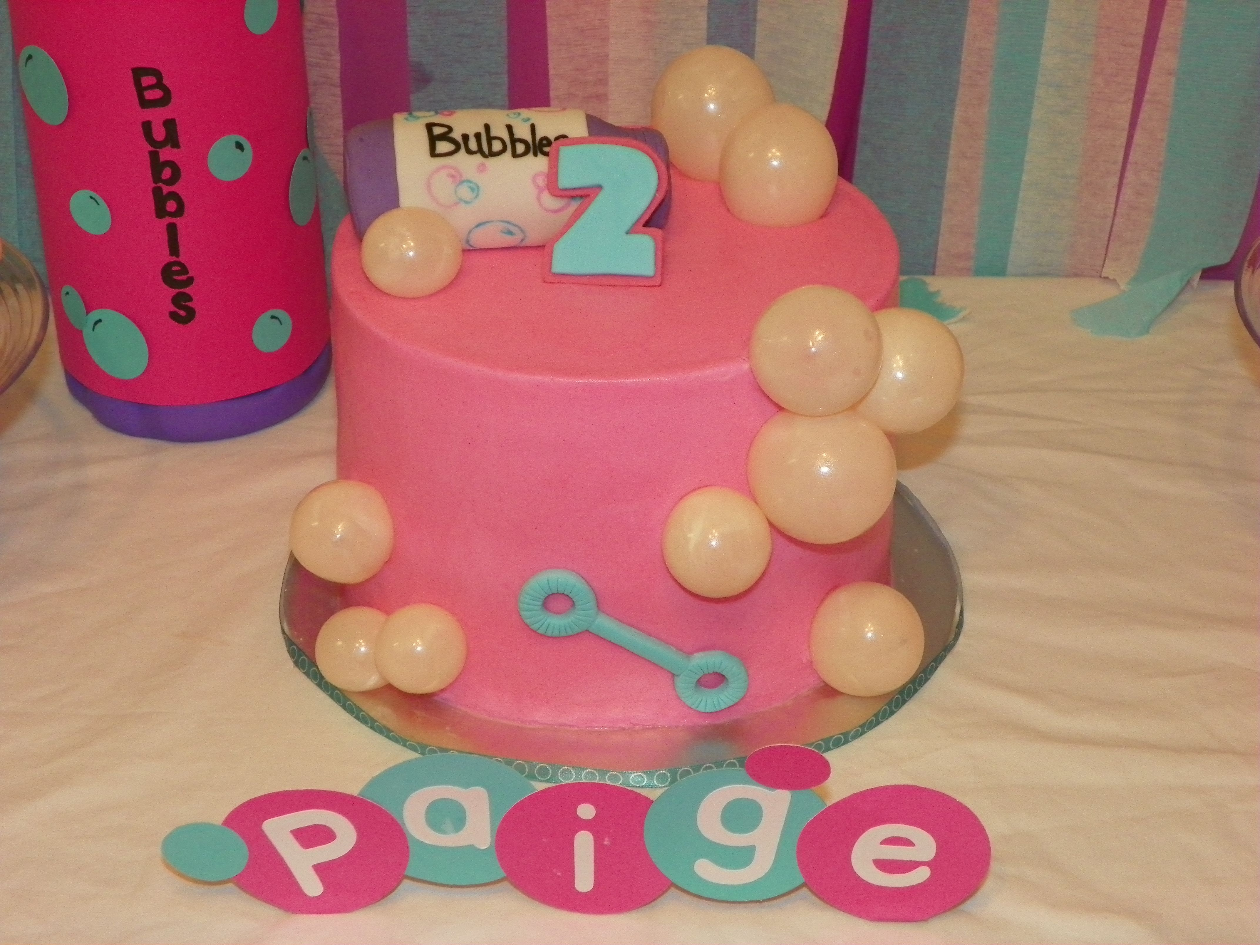 Bubbles Birthday Party Ideas Photo 6 Of 22 Catch My Party Bubble Birthday Bubble Party Bubble Birthday Parties