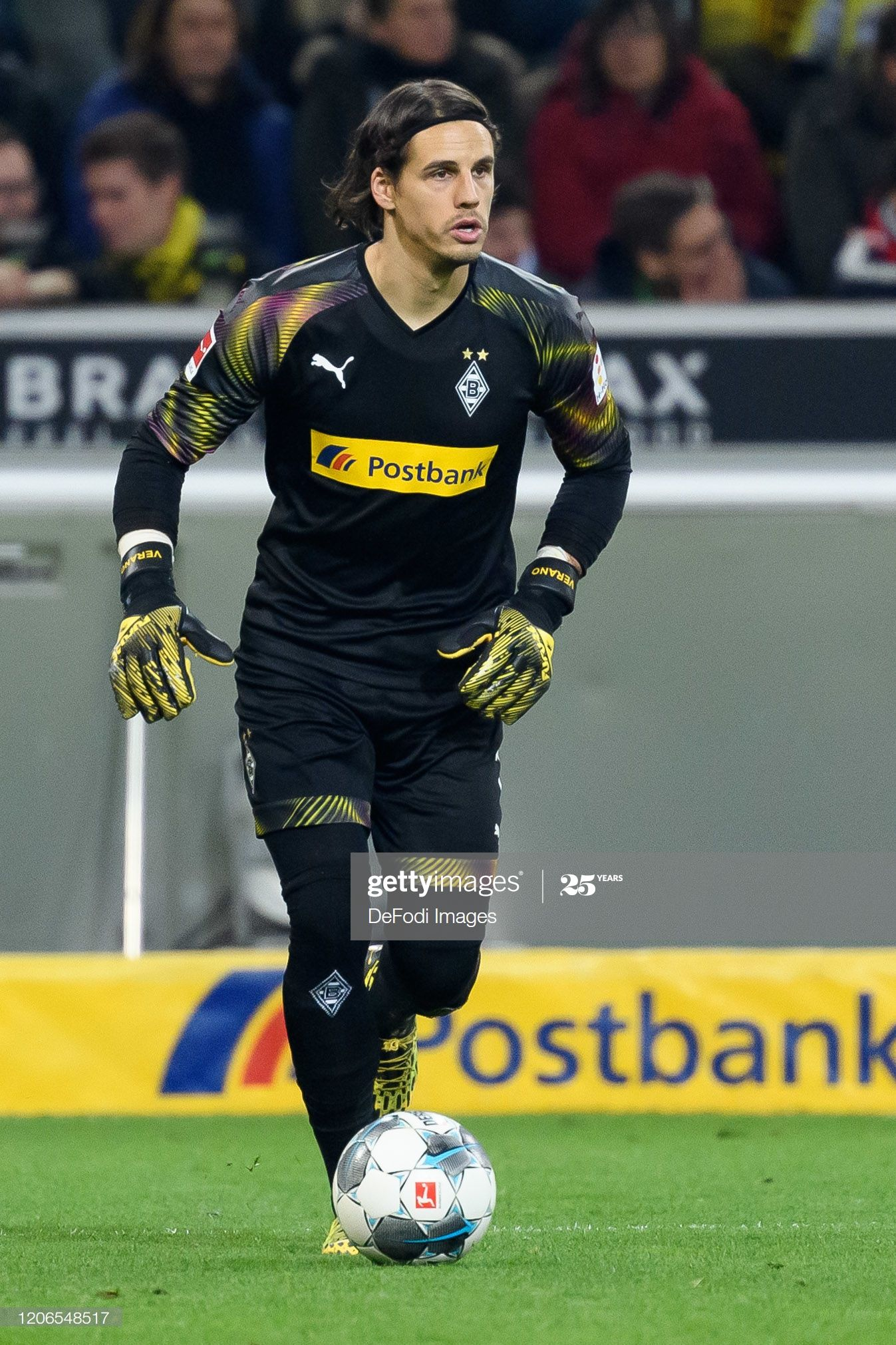 Fotografia De Noticias Goalkeeper Yann Sommer Of Borussia En 2020 Borussia Dortmund Dortmund Imagen De Alta Resolucion