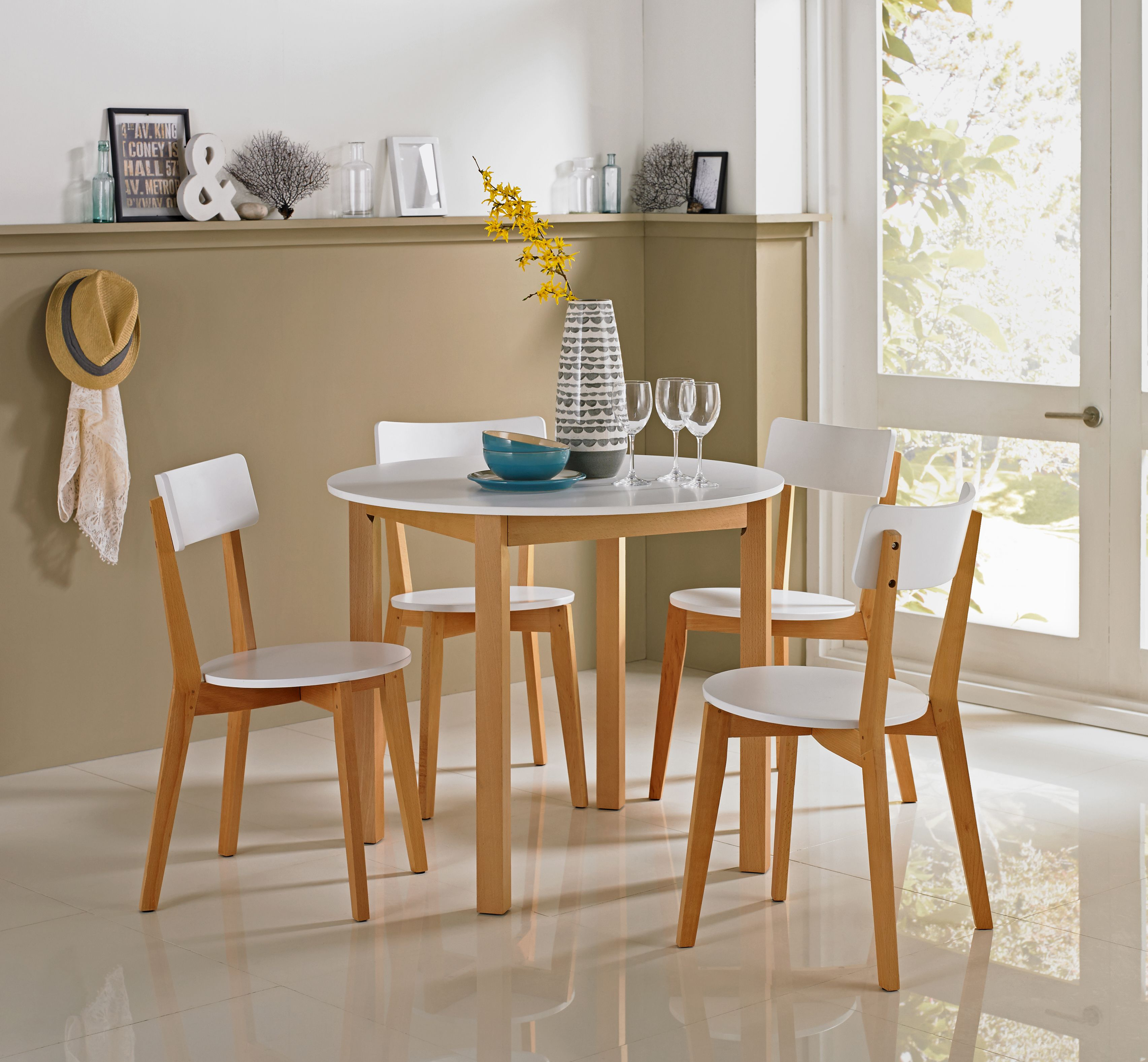 Hygena Rye Kitchen Dining Set in white instantly brings a modern