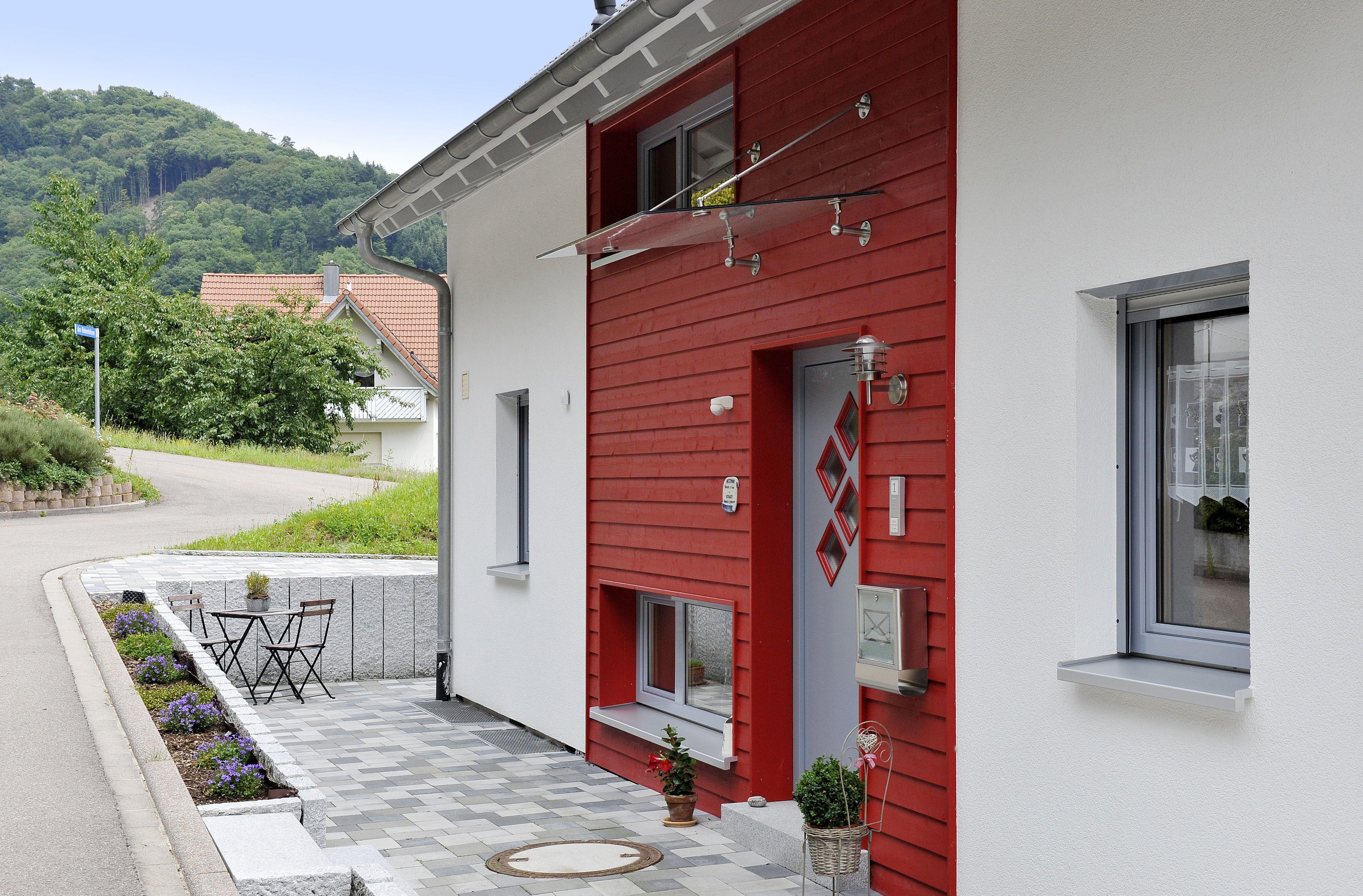 Hauseingang aussen mit Vordach & Stufen Architektur
