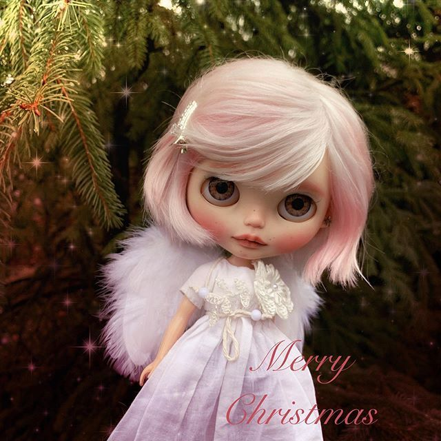 Have yourself a merry little Christmas Let your heart be ...