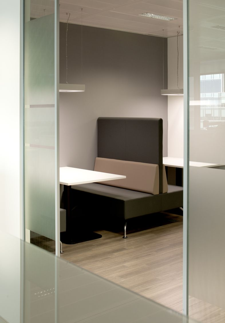 Nyk Fit Out Shows Using Natural Light Promotes Workplace Wellbeing  # Muebles Wimpy Bogota