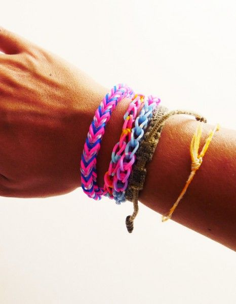tuto comment r aliser un bracelet lastique rainbow loom facile rainbow loom rainbows and. Black Bedroom Furniture Sets. Home Design Ideas