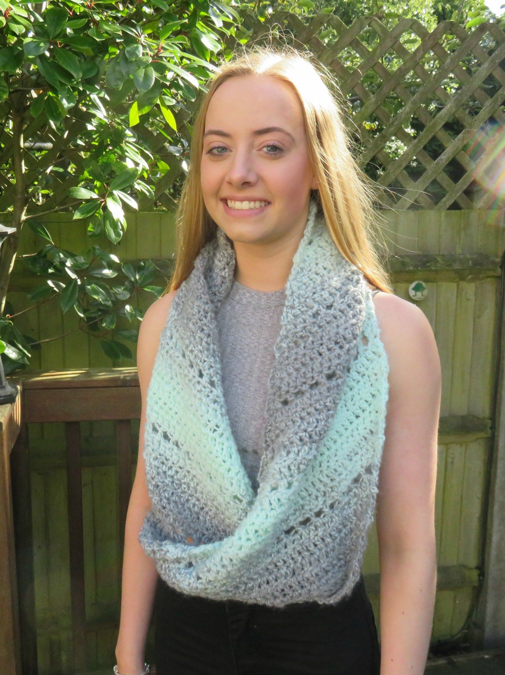 Spearmint Stars C2C a Crocheted Cowl With a Twist! | Scarves, cowls ...