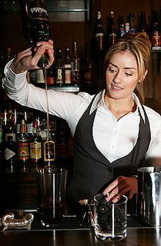 d3b3f6d33b4 This is our bartender Danielle who works the bar in our